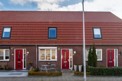 Ds C.W. v/d Poelstraat 13 Den Bommel
